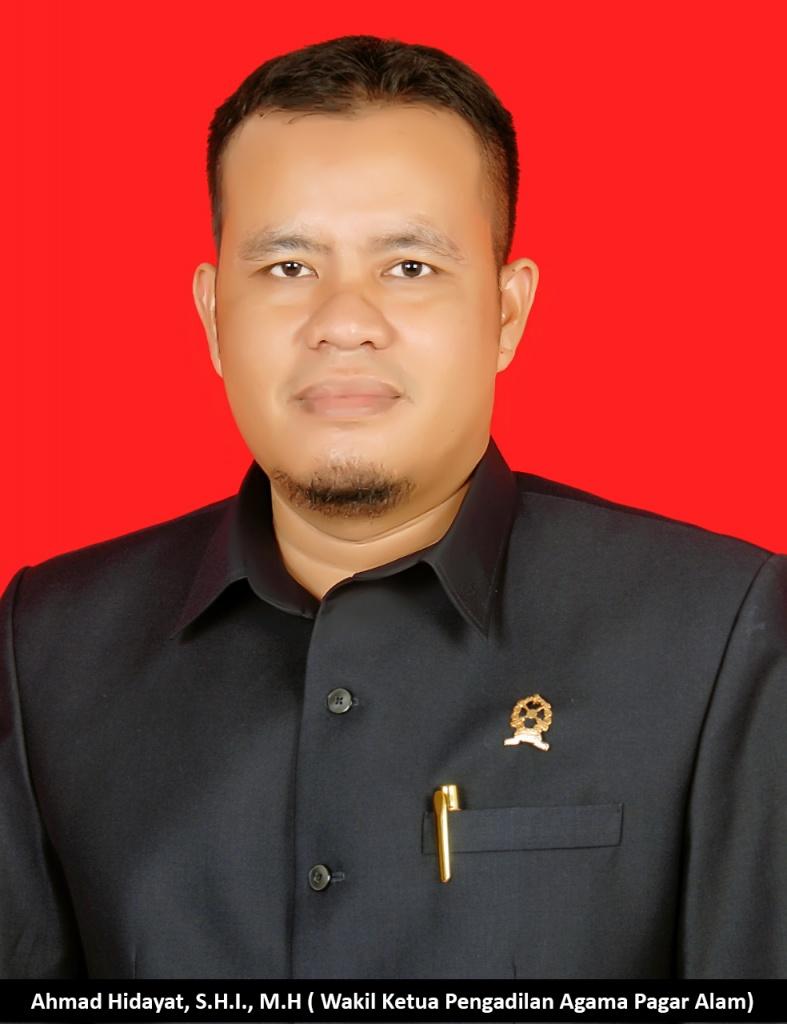 Ahmad Hidayat, S.H.I., M.H.